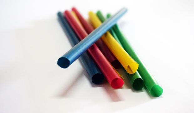 sedotan warna 3